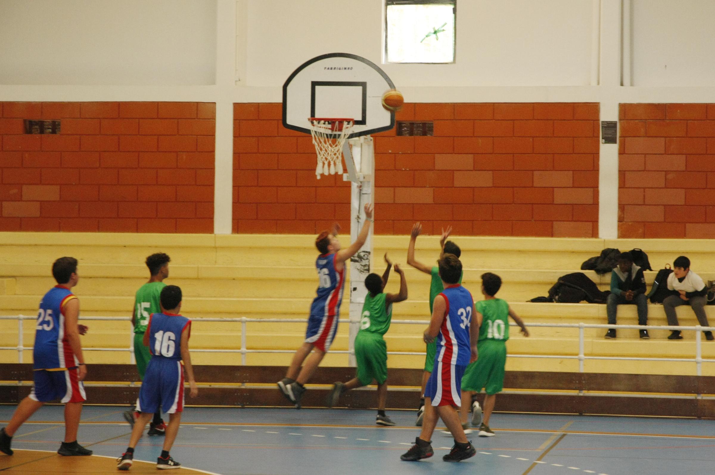 Torneio de abertura do Desporto Escolar no pavilhão desportivo da escola sede | Fotografia AEAR Comunicacao