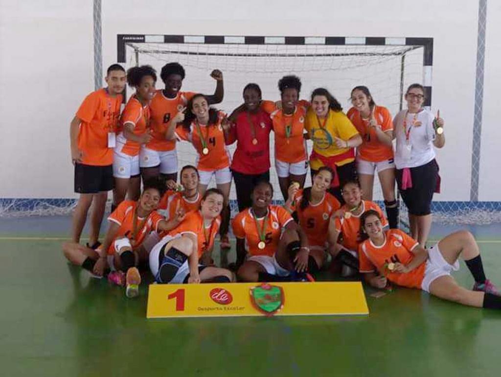 Equipa de andebol feminino do AEAR sagra-se bicampeã nacional